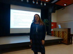 FT, tietokirjailija Liisa Väisänen luennollamme.